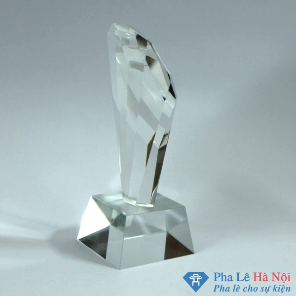 IMG 0895 - Cúp Pha Lê Vinh Danh Vỏ Sò