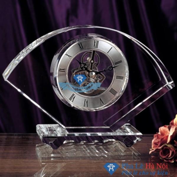 Đồng hồ pha lê hình cánh quạt