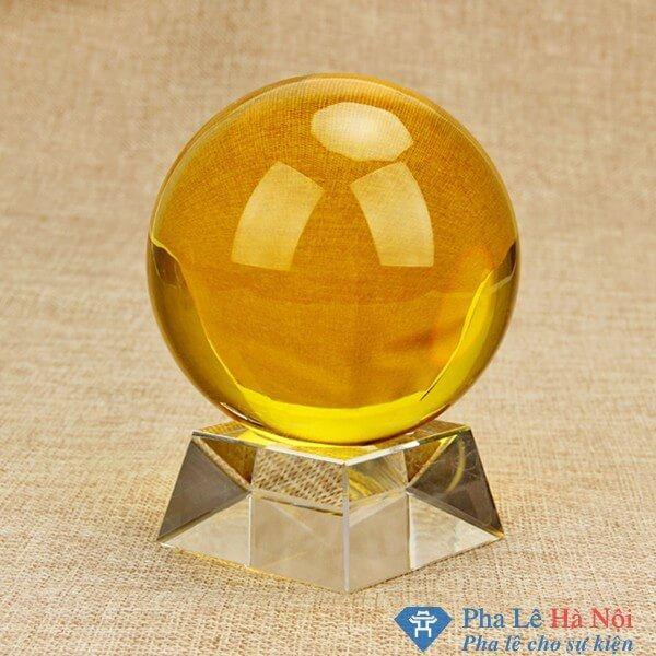 Quả cầu pha lê phong thủy mầu vàng 10cm