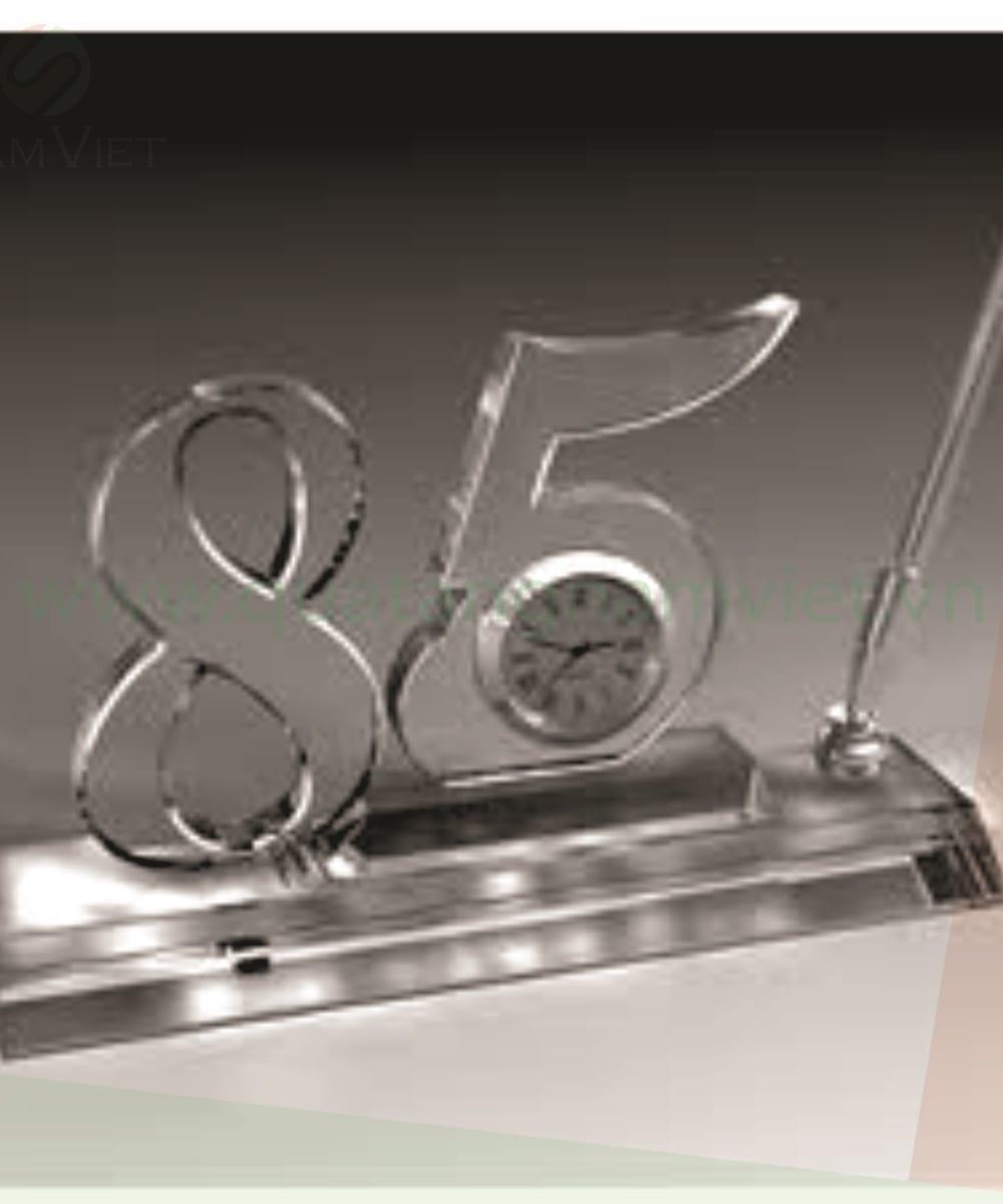 Bộ số pha lê để bàn 85 năm