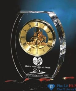 Đồng hồ pha lê bộ công an