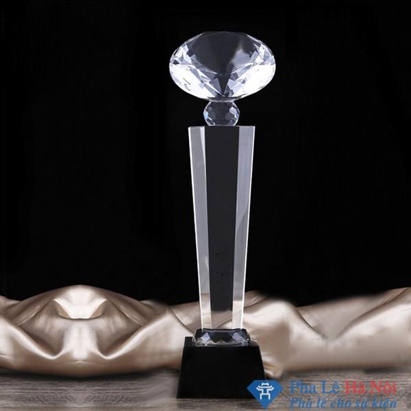 Cúp pha lê kim cương lục giác chân đen