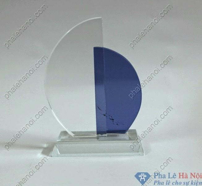 BieutrungphalecanhbuomdoixanhBTPL33 - Biểu trưng pha lê cánh buồm xanh
