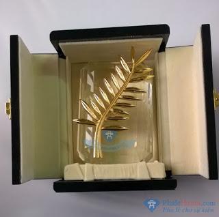 Phalecanhcovang28129 - Pha Lê Vinh Danh Cành Cọ Vàng