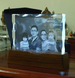 chandung3D60 247x256 - Pha lê 3D gia đình