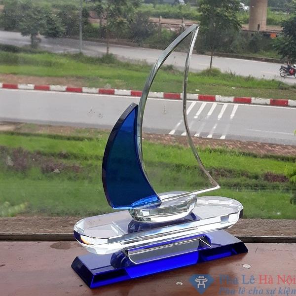 20180918 150031 - Kỷ niệm chương pha lê thuyền buồm xanh