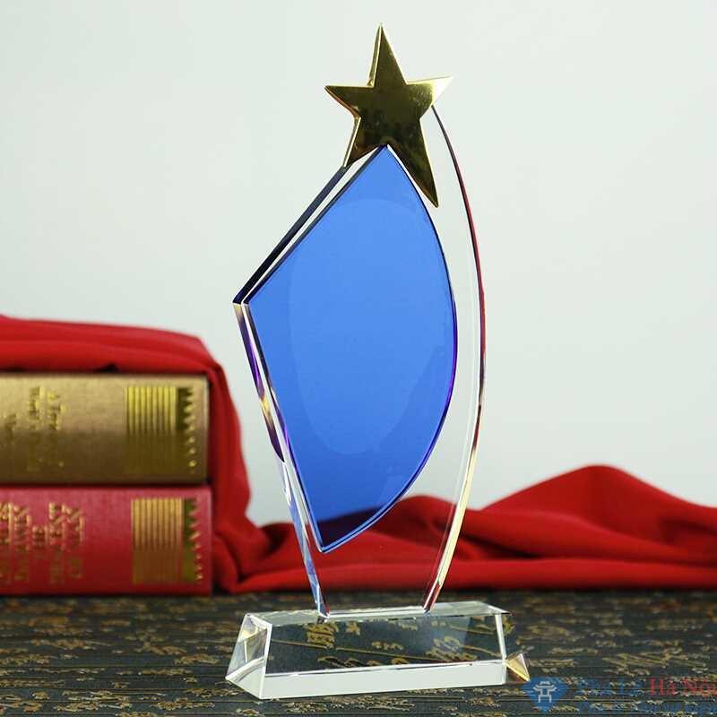 Kỷ niệm chương pha lê cánh buồm đính sao vàng