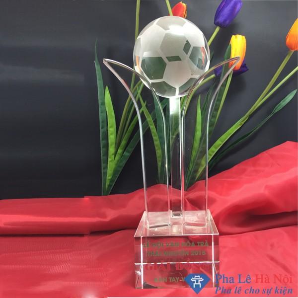Cúp pha lê thể thao bóng đá ba lá