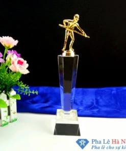 Cúp pha lê thể thao người chơi bi da mạ vàng thân lục giác