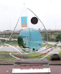 Kỷ niệm chương pha lê thuyền buồm Phú yên