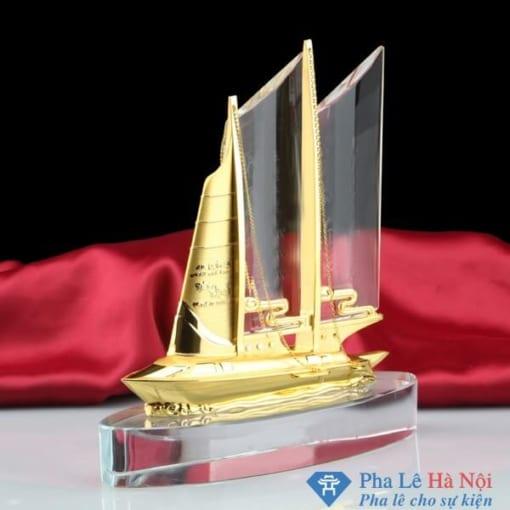 Biểu trưng pha lê thuyền buồm kép mạ vàng