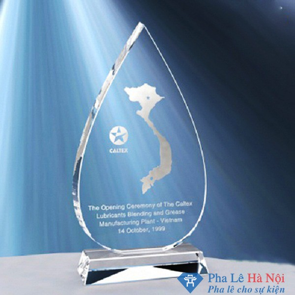 Kỷ niệm chương pha lê hình giọt nước
