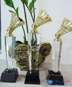 Bộ Cúp pha lê thể thao cầu lông mạ vàng thân lục giác chân đen