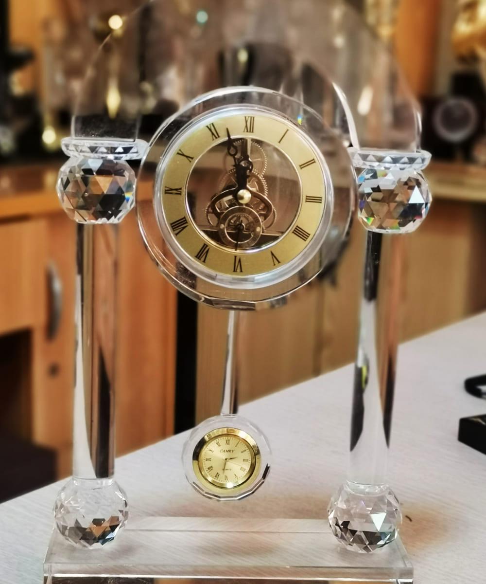 Đồng hồ pha lê quả lắc
