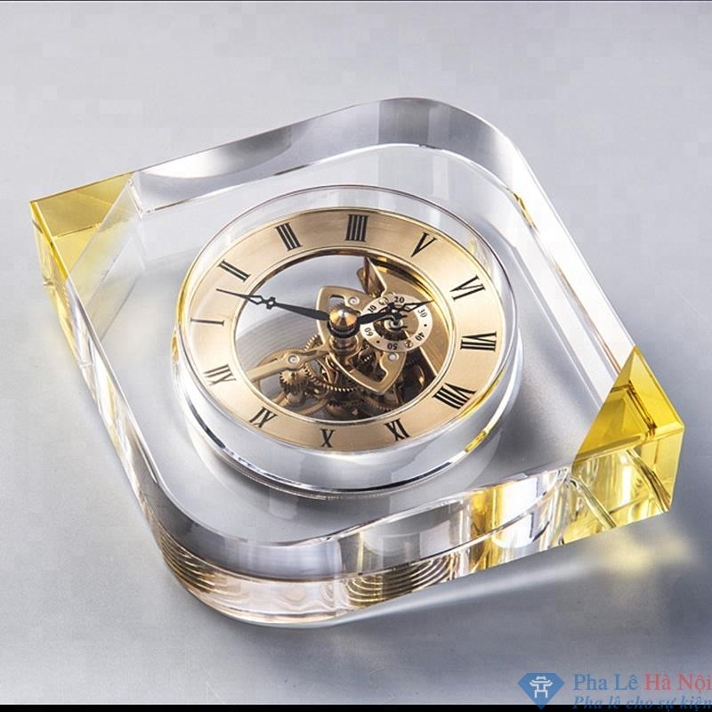 dong ho 7 - Đồng hồ pha lê hình quả trám