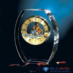 dong ho elip 300x300 - Đồng hồ pha lê hình elip