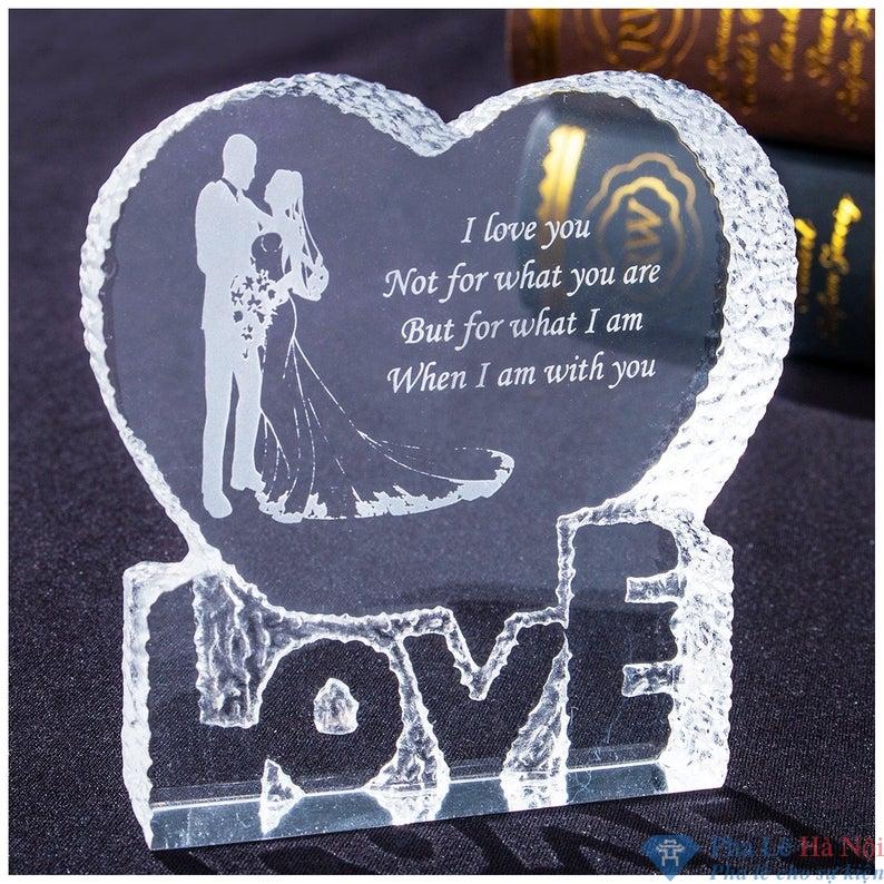 Kỷ niệm chuơng pha lê trái tim love