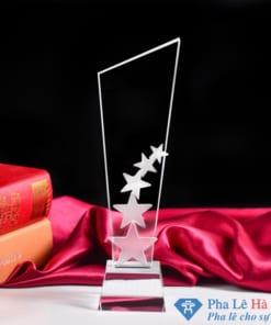 Cúp pha lê vinh danh 5 ngôi sao trắng