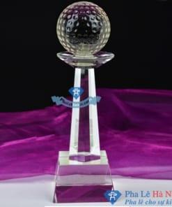 Cúp pha lê thể thao golf cách điệu thân vuông