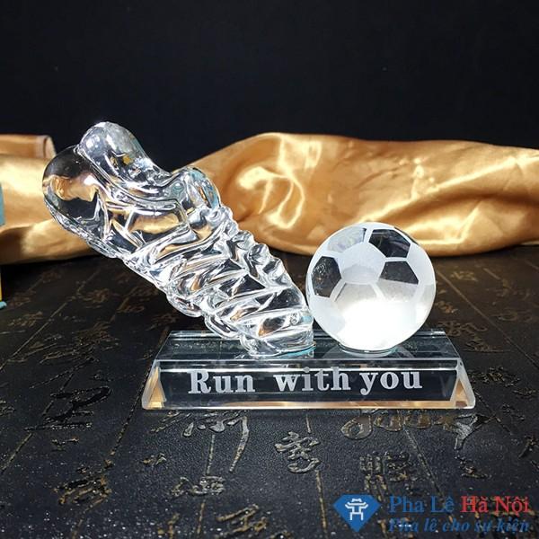 Kỷ niệm chương pha lê bóng đá
