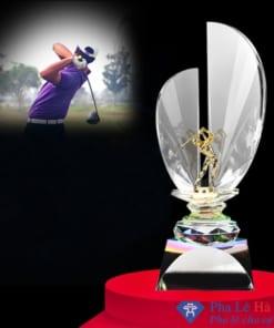 Cúp pha lê thể thao người chơi golf mạ vàng hình cánh buồm