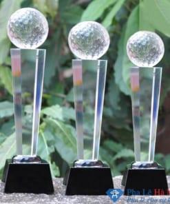 Bộ cúp pha lê thể thao golf thân lục giác chân đen