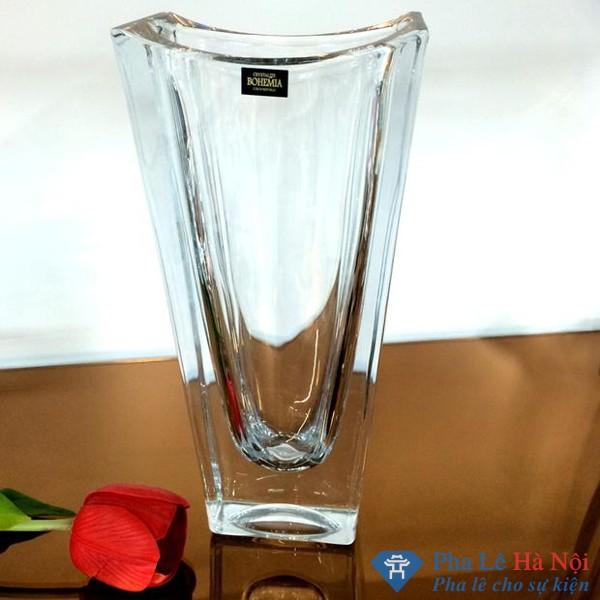 Bình cắm hoa pha lê đẹp- với kiểu dáng độc đáo