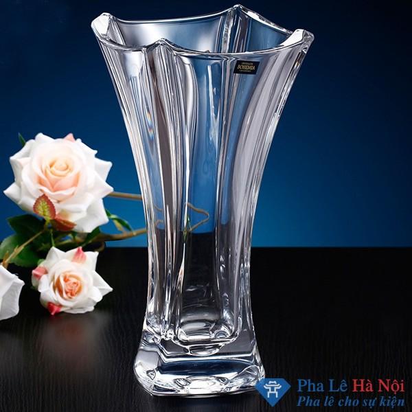 lọ hoa pha lê khắc tiệp 3 - Cách vệ sinh giúp bình hoa pha lê luôn sáng mới