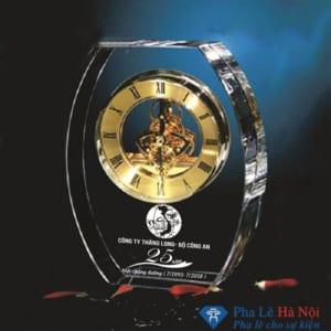 Đồng hồ pha lê hình elip bộ công an