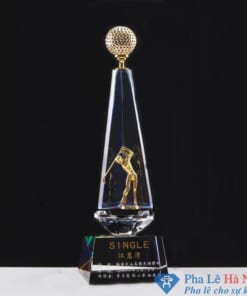 Cúp pha lê thể thao golf vàng 3 cánh hình kim tự tháp