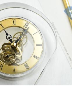 Đồng hồ pha lê tháng 6-2018