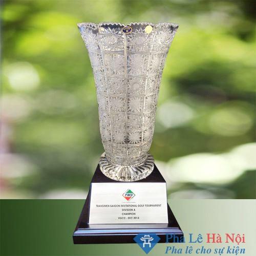 Cúp pha lê vô địch 4