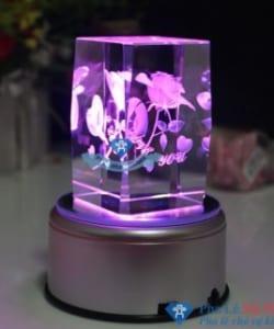 pha lê 3D 250x300 - Pha lê 3D sản phẩm quà tặng cho tình yêu vĩnh cửu
