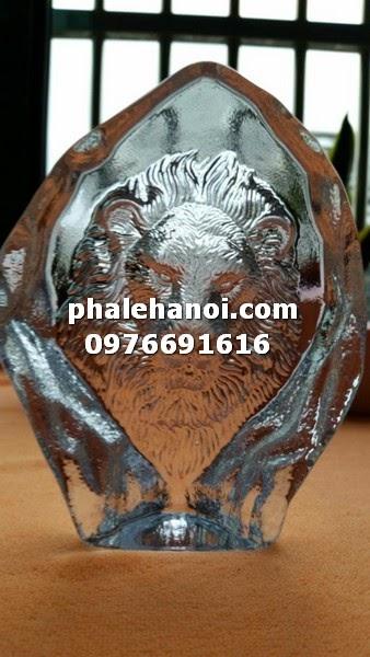 pha lê mặt sư tử 2 - Ý nghĩa hàm ẩn trong khối pha lê mặt sư tử