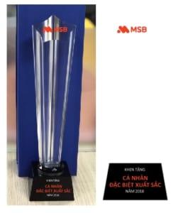 7636b5bf898a6bd4329b 251x300 - Cup pha lê vinh danh hình ngôi sao, cung cấp cho ngân hàng MSB 30 cúp vinh danh nhân viên xuất sắc ngày 14/03/2019