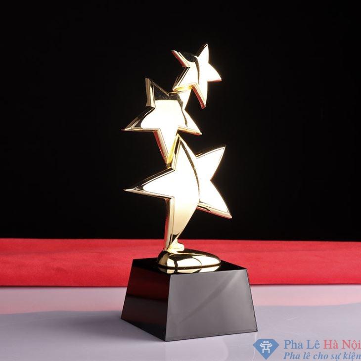 golf crystal trophies36108865601 - Cúp pha lê vinh danh dải sao vàng