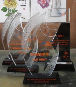 Kỷ niệm chương pha lê PVcombank